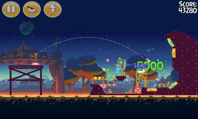 Angry Birds Seasons - Abra-Ca-Bacon! screenshot 4