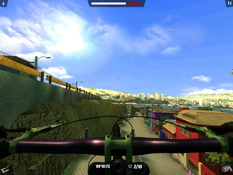 Screenshots of the Infocus extreme bike game for iPhone, iPad or iPod.