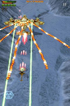 Screenshots vom Spiel iStriker 2: Air Assault für iPhone, iPad oder iPod.