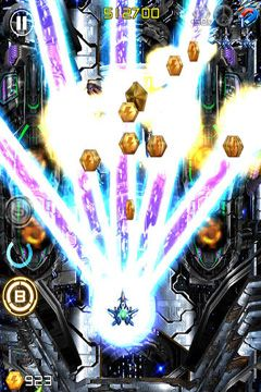 Capturas de pantalla del juego Lightning Fighter 2 para iPhone, iPad o iPod.