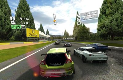 Capturas de pantalla del juego Real Racing 2 para iPhone, iPad o iPod.