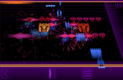 Screenshots of the Super Crossfire game for iPhone, iPad or iPod.