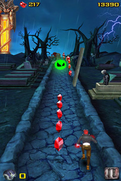 Screenshots of the Vampire Runner game for iPhone, iPad or iPod.