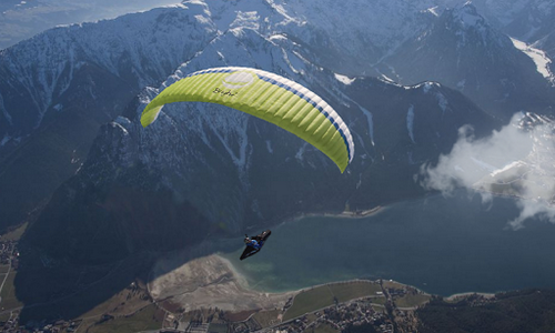 Screenshots of the Paragliding for Android tablet, phone.