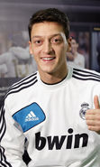 Download free mobile wallpaper 18954: Mesut Ozil, Football, People, Men, Sports for phone or tab. Download images, backgrounds and wallpapers for mobile phone for free.