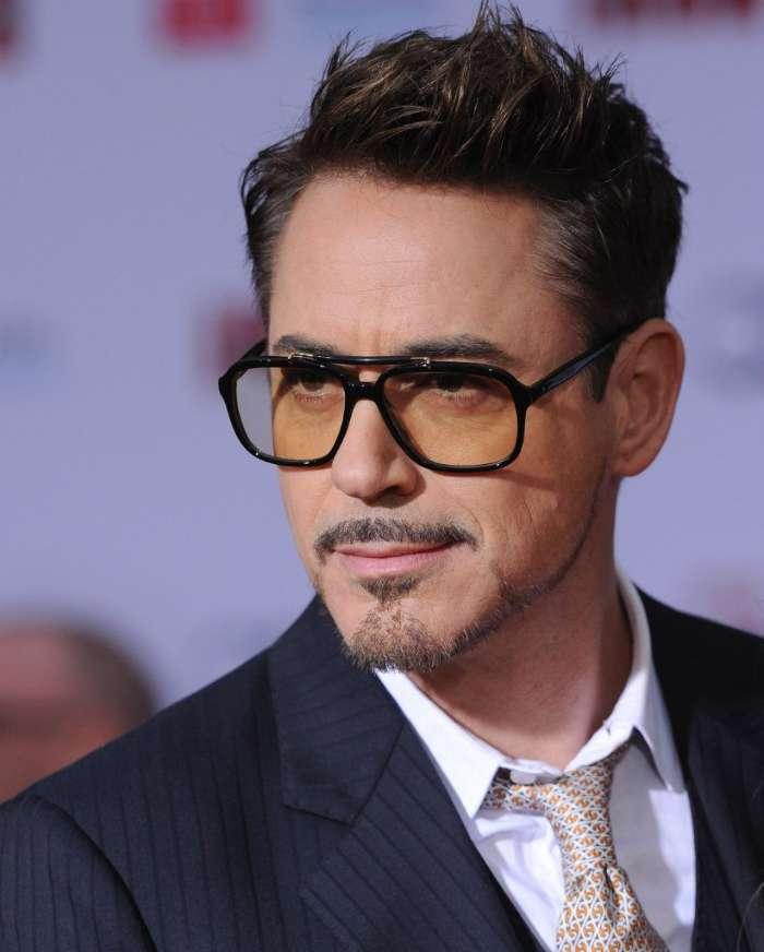 Download Mobile Wallpaper People Actors Men Robert Downey Jr