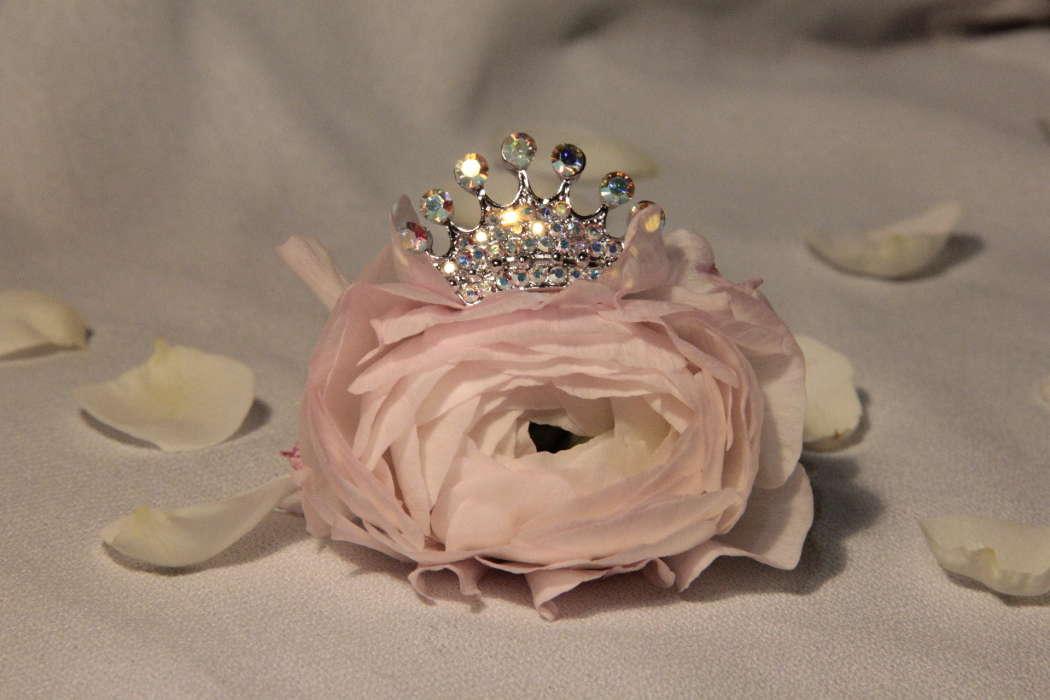 один прекрасный корона с цветами картинки обладает