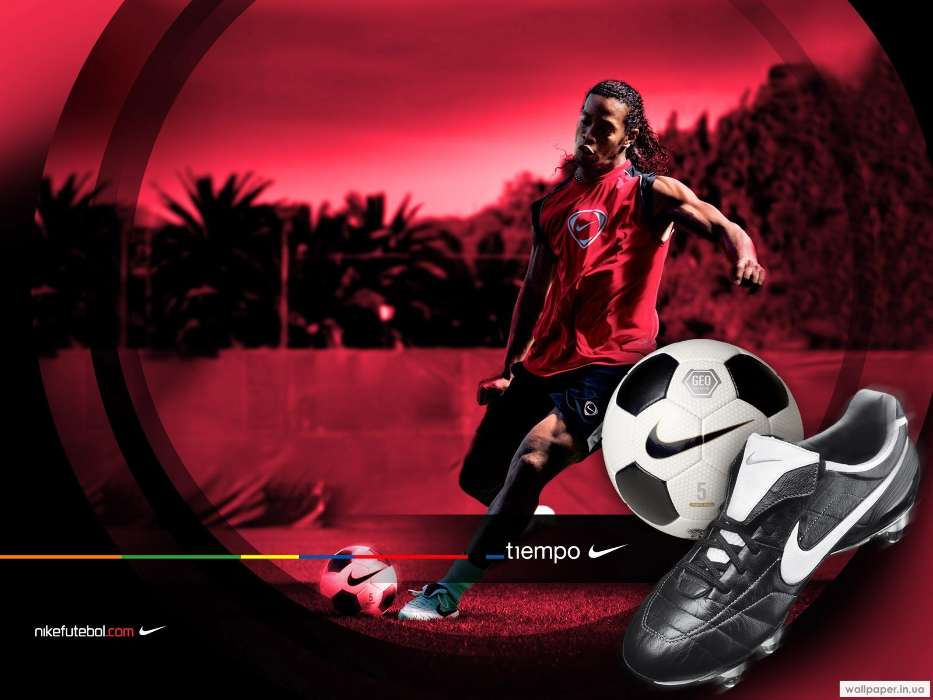 Download mobile wallpaper Sports, People, Football, Men, Ronaldinho for free.