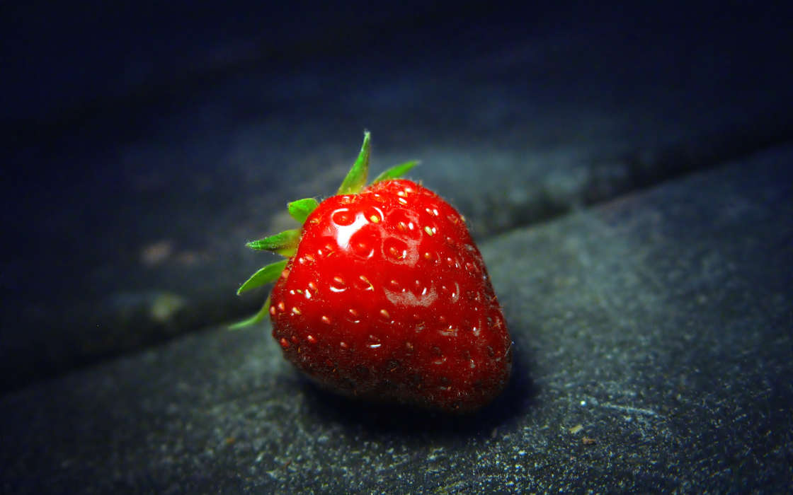 Download mobile wallpaper Plants, Strawberry, Berries for free.