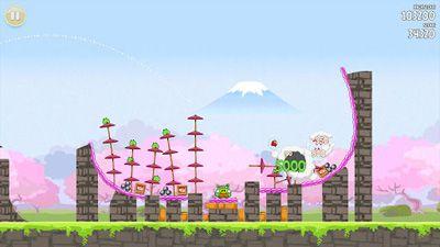 Angry Birds ähnelnde Spiele Angry Birds Seasons: Cherry Blossom Festival für das Smartphone