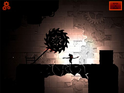 Oscura. La segunda sombra en español