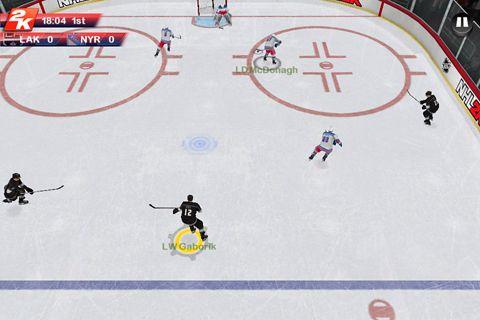 Multiplayerspiele: Lade NHL 2K auf dein Handy herunter
