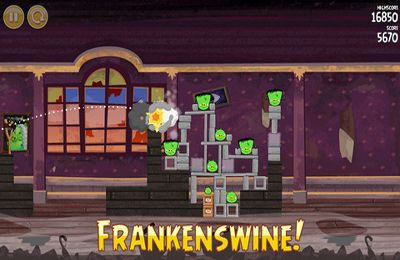 Angry Birds Seasons: Haunted hogs for iPhone