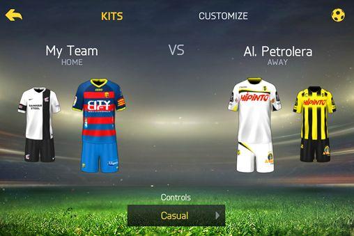 シミュレーション: 電話に FIFA 15: アルティメット チームをダウンロード