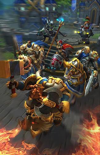 Onlinespiele War storm: Clash of heroes für das Smartphone