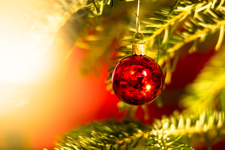 138514 Salvapantallas y fondos de pantalla Año Nuevo en tu teléfono. Descarga imágenes de Vacaciones, Bola, Pelota, Decoración, Árbol De Navidad, Año Nuevo, Navidad gratis