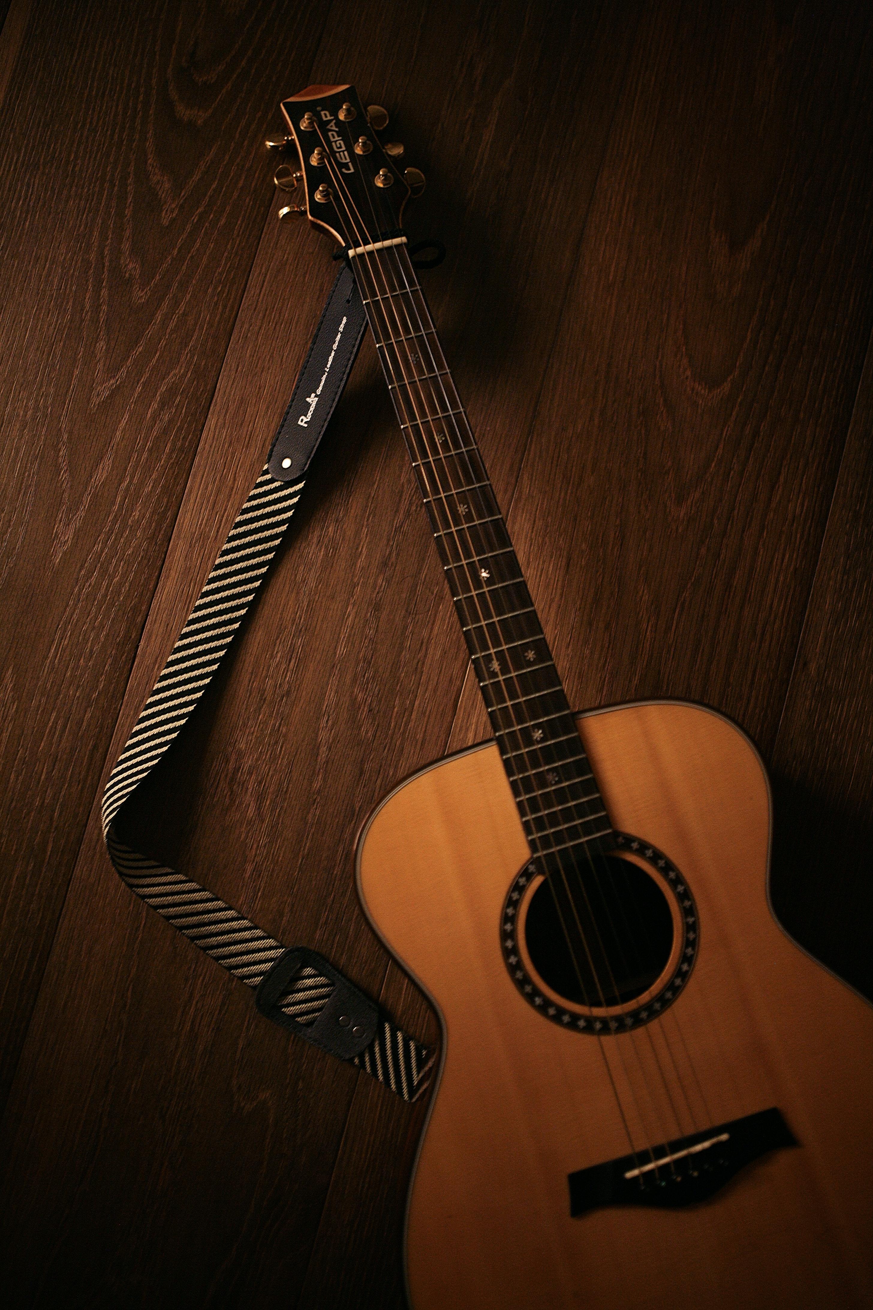 63100 Заставки и Обои Музыка на телефон. Скачать Музыка, Гитара, Деревянный, Коричневый, Музыкальный Инструмент, Акустическая Гитара картинки бесплатно