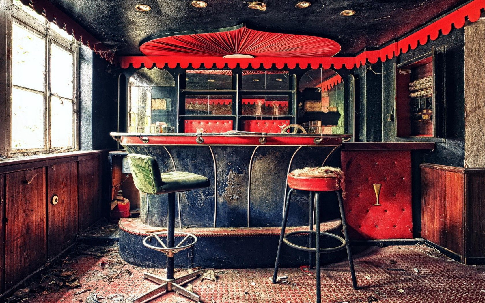 150790 Screensavers and Wallpapers Interior for phone. Download Background, Interior, Miscellanea, Miscellaneous, Old, Bar pictures for free