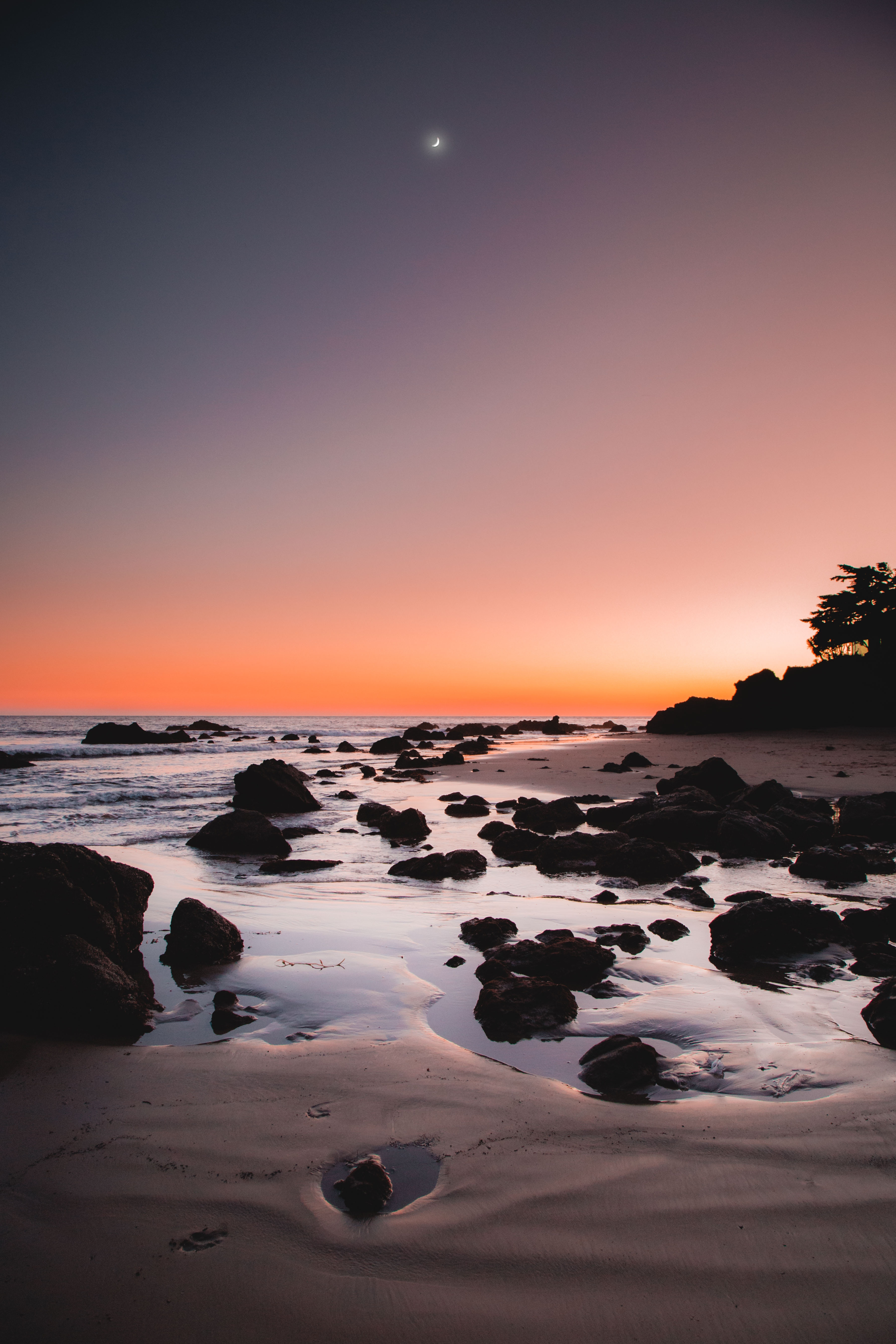 79193 download wallpaper Nature, Sea, Shore, Bank, Sunset, Stones, Sand, Horizon screensavers and pictures for free