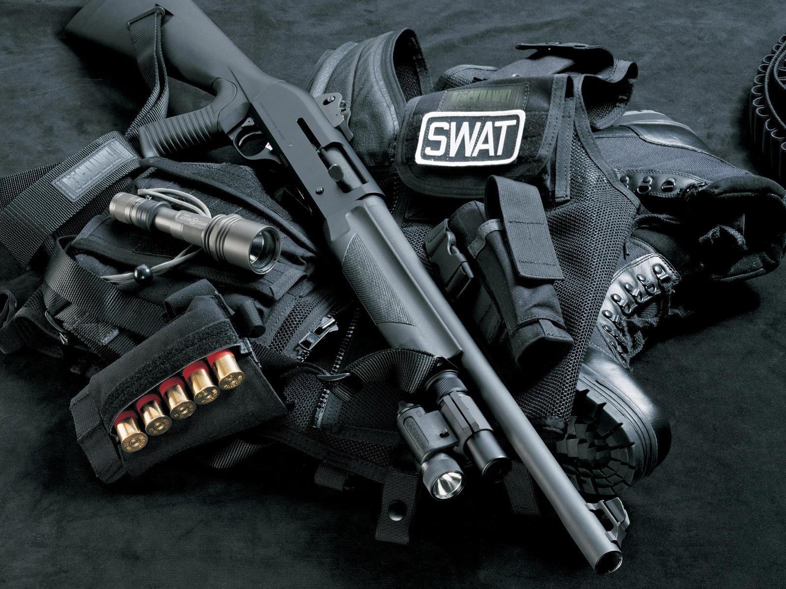 2001 скачать обои Оружие, Объекты - заставки и картинки бесплатно