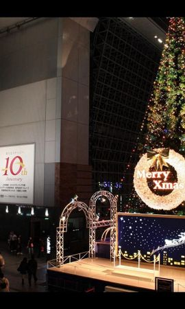 93498 скачать обои Праздники, Елка, Гирлянды, Рождество, Люди, Суета - заставки и картинки бесплатно