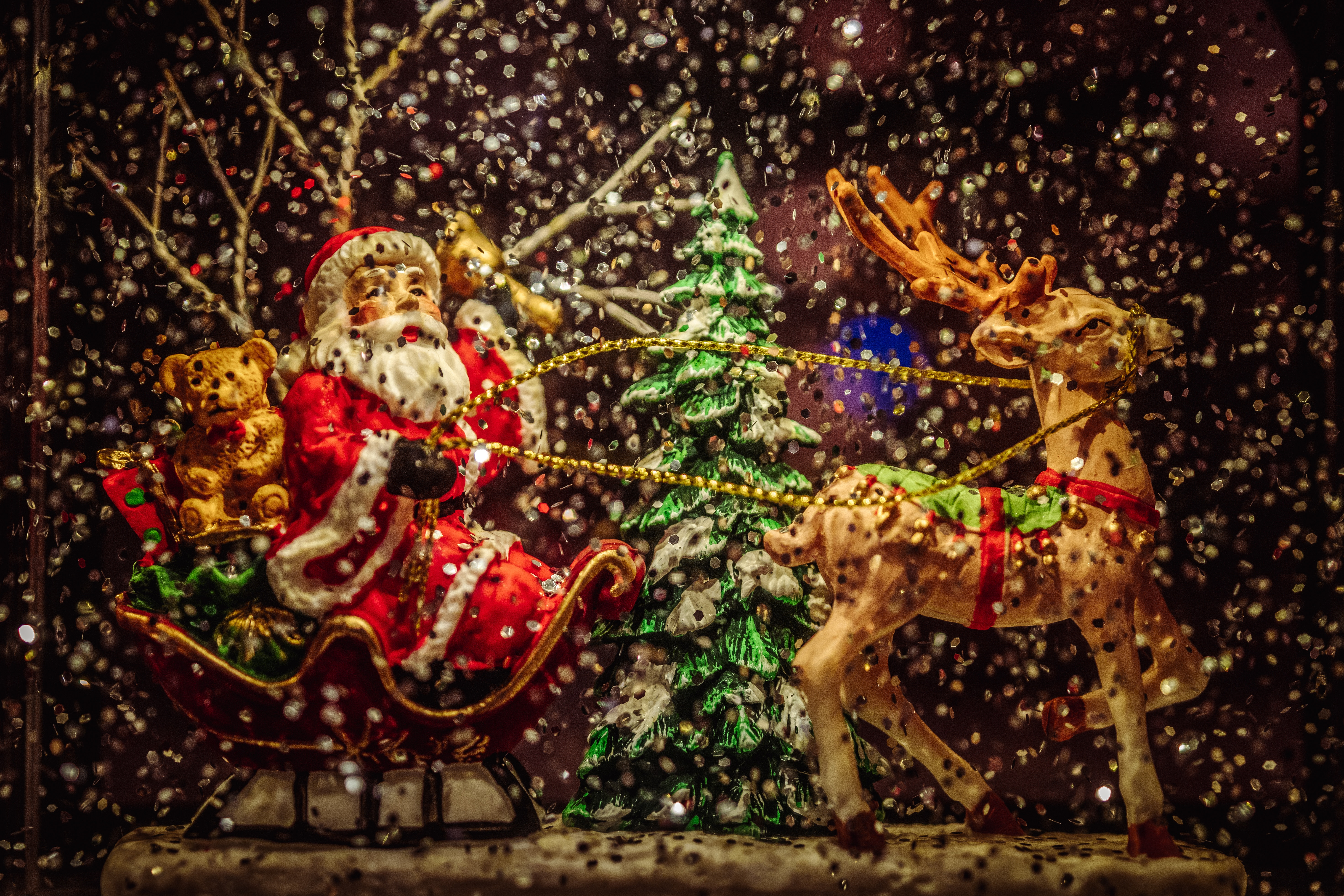 105797 Screensavers and Wallpapers Toys for phone. Download Holidays, New Year, Santa Claus, Toys, Christmas, Statuette pictures for free