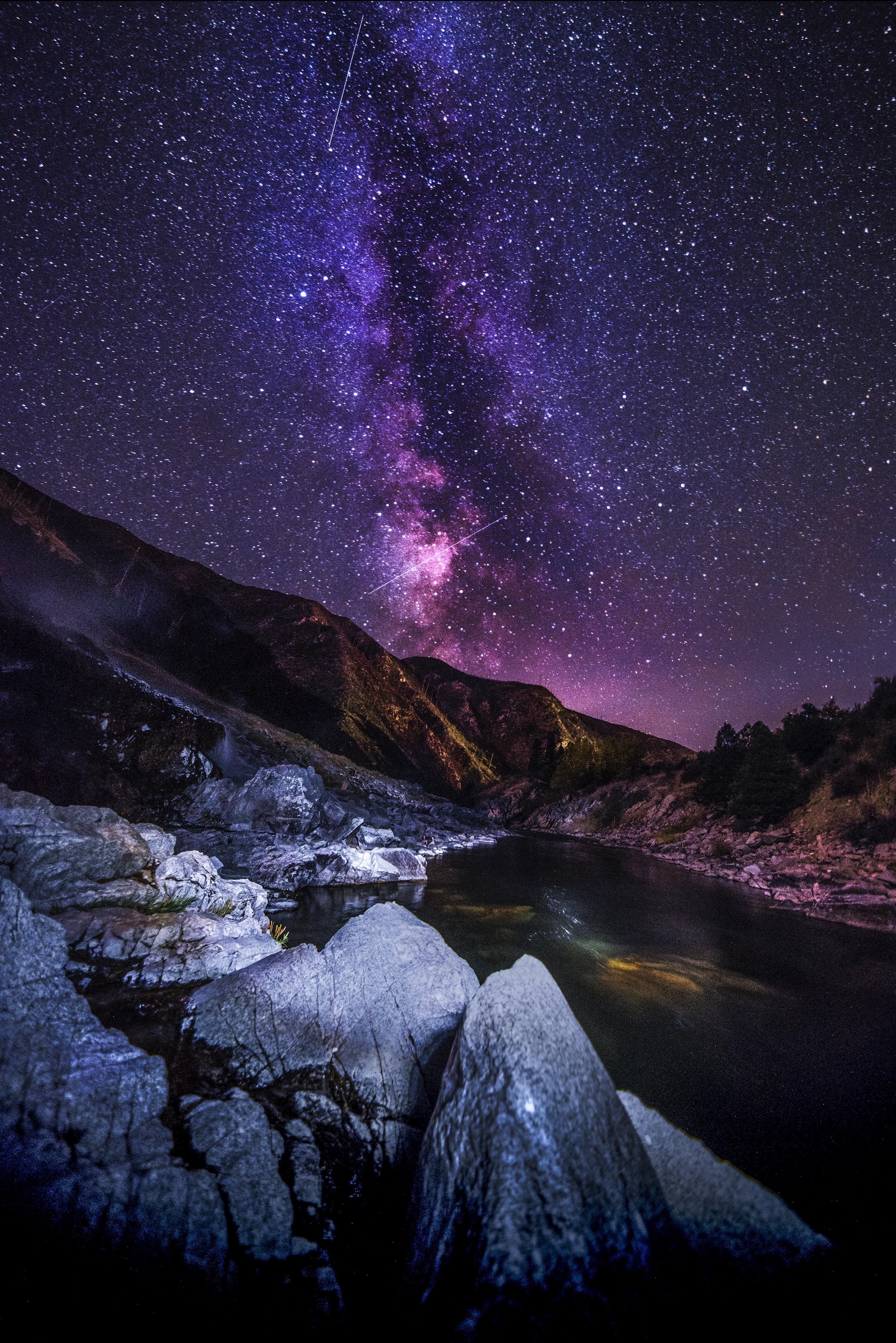 135710 скачать обои Природа, Река, Ночь, Звездное Небо, Горы, Пейзаж - заставки и картинки бесплатно