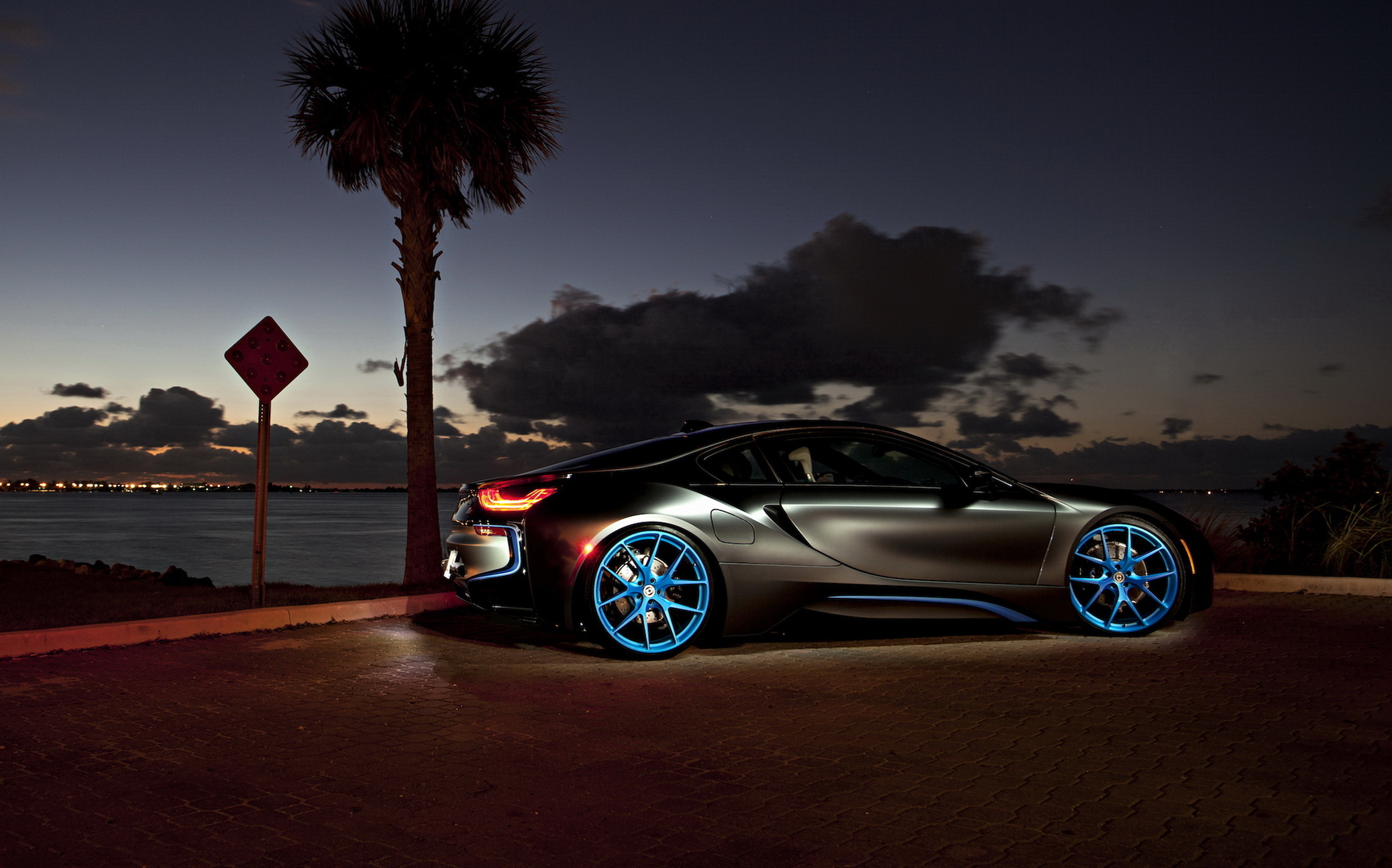 62697 download wallpaper Night, Cars, Side View, Bmw I8 screensavers and pictures for free