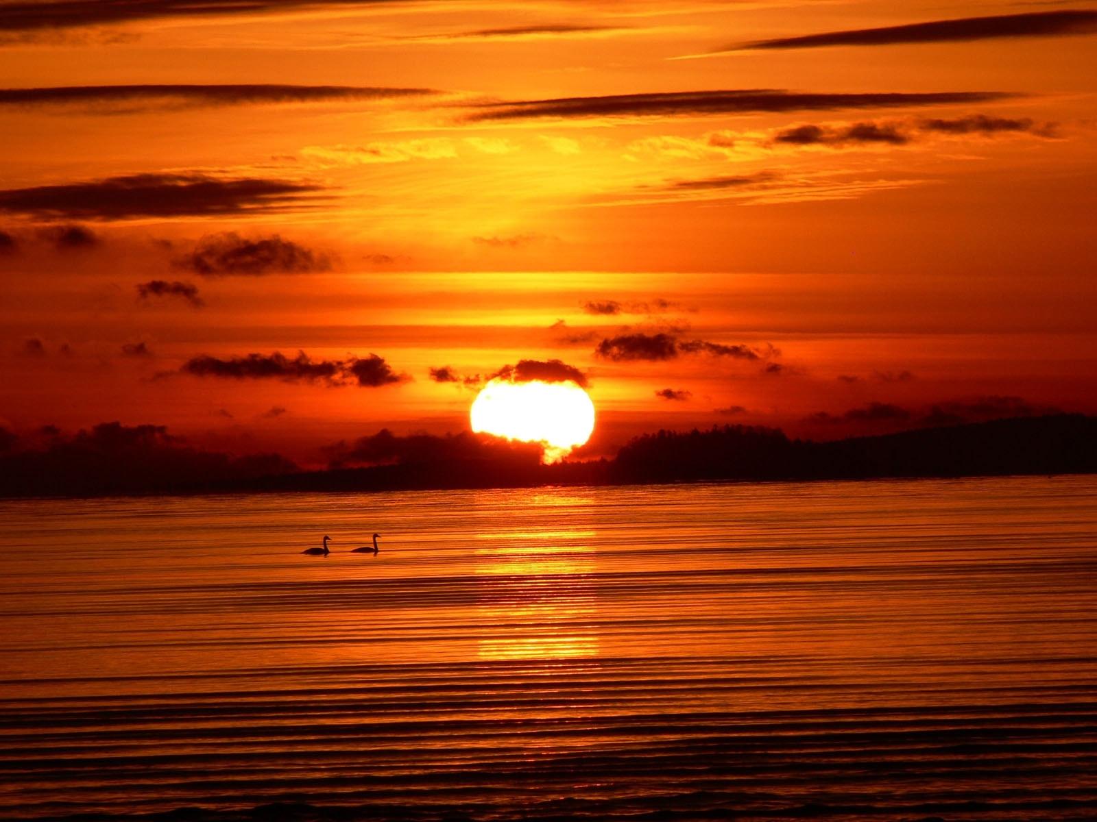 Download mobile wallpaper Sun, Sunset, Sea, Landscape for free.