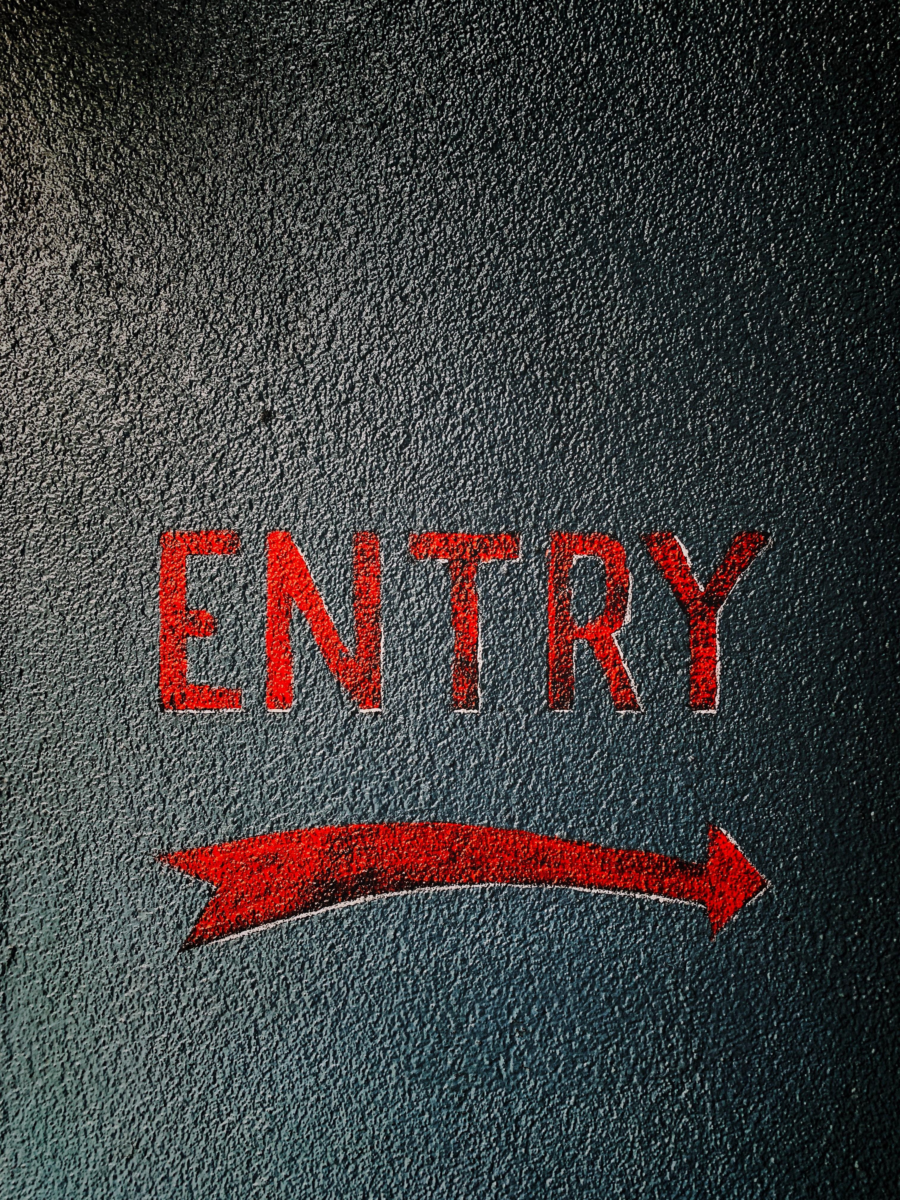 110492 Hintergrundbild herunterladen Pfeil, Die Wörter, Wörter, Asphalt, Inschrift, Eingang - Bildschirmschoner und Bilder kostenlos