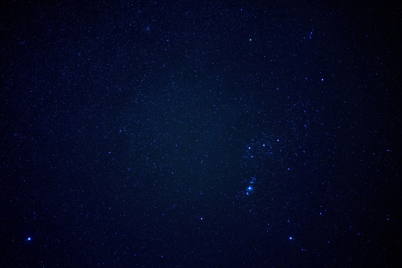 95723 Hintergrundbild herunterladen Universum, Sterne, Scheinen, Sternenhimmel, Brillanz - Bildschirmschoner und Bilder kostenlos