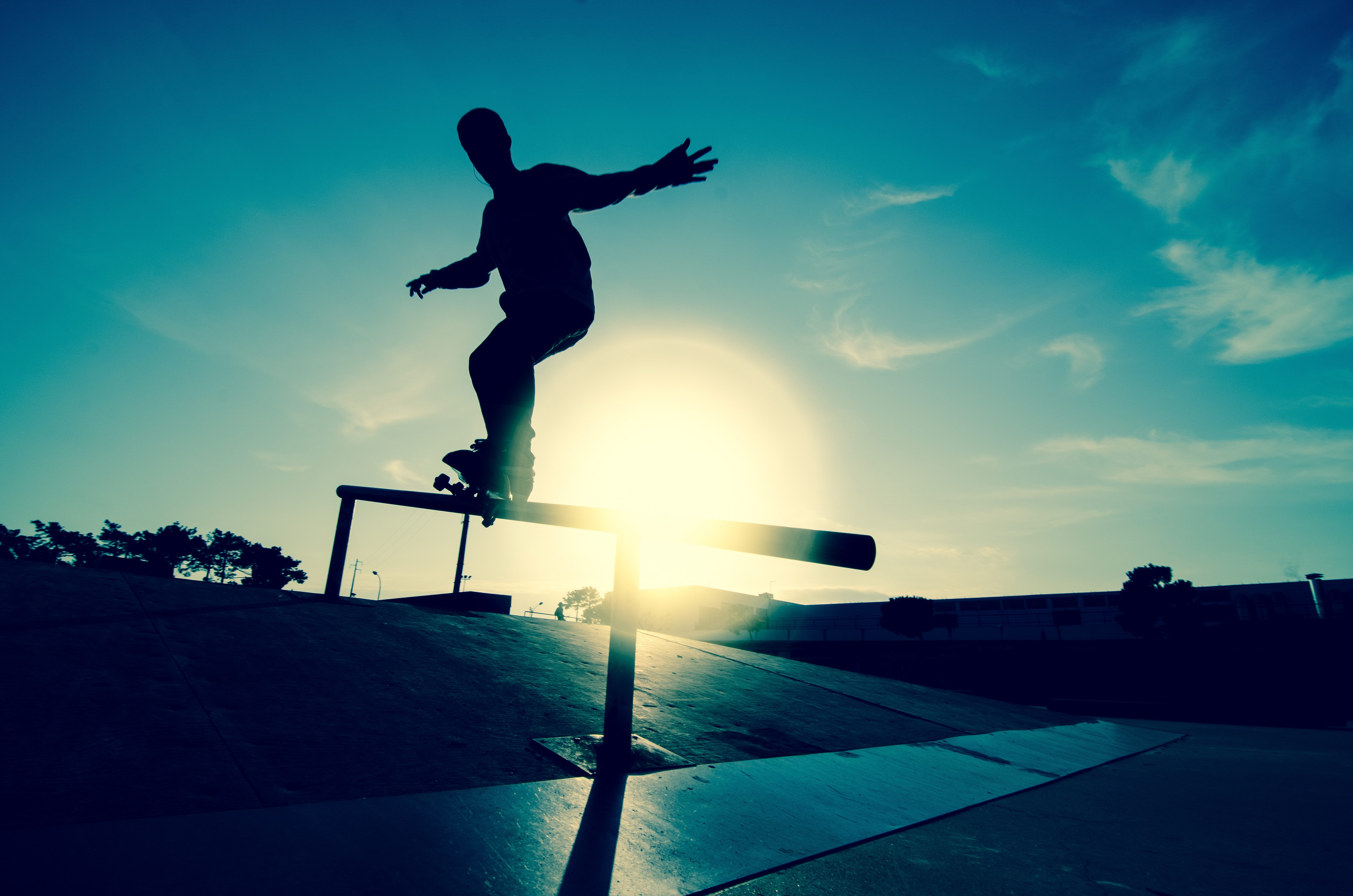 73981 download wallpaper Sports, Skate, Board, Athlete, Sportsman, Railings, Handrail, Traffic, Movement, Silhouette, Rink screensavers and pictures for free