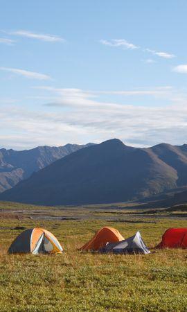 Скачать бесплатно картинку 111168: Поле, Палатки, Поход, Природа, Горы обои на телефон