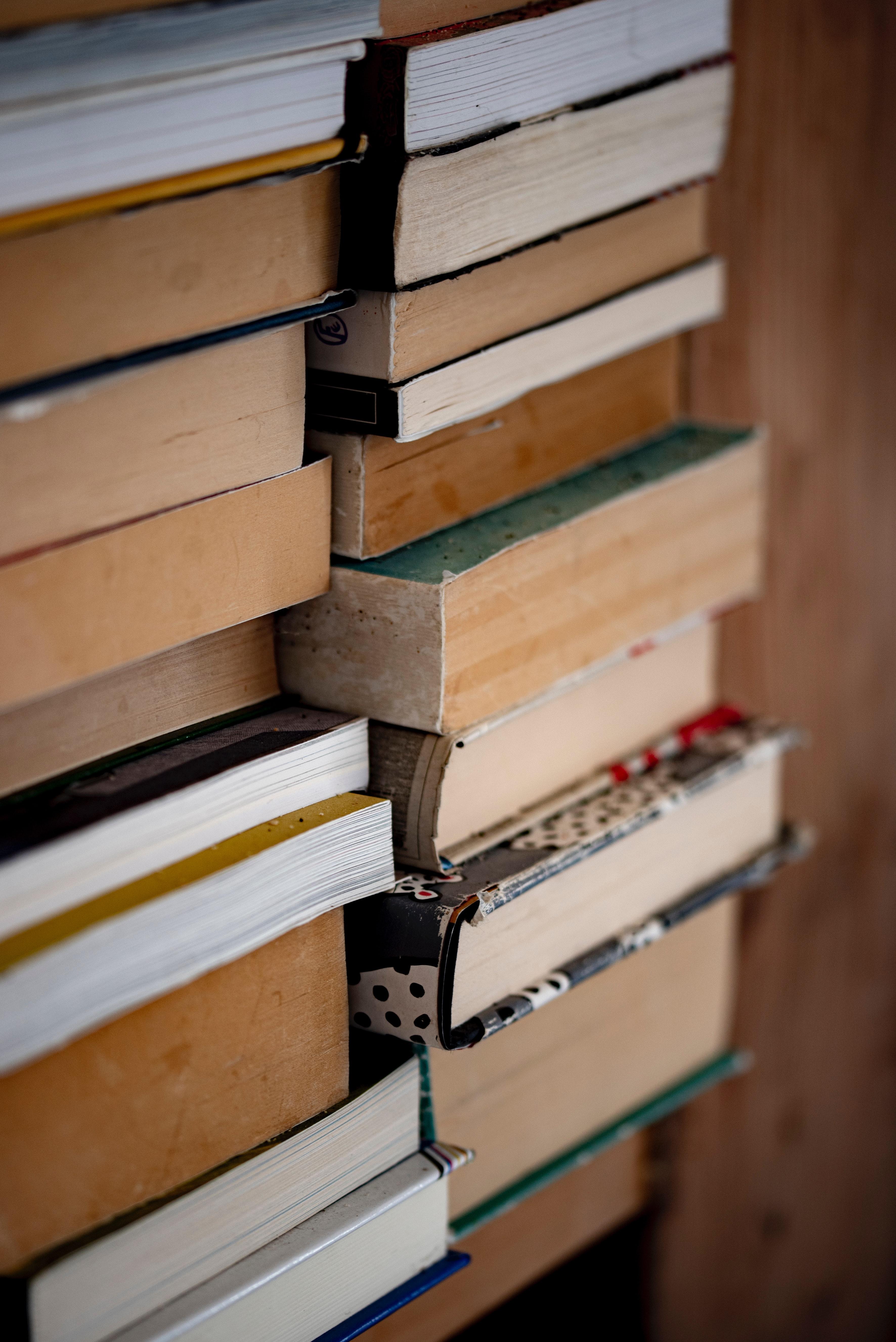68254 скачать обои Разное, Книги, Полка, Страницы, Макро - заставки и картинки бесплатно