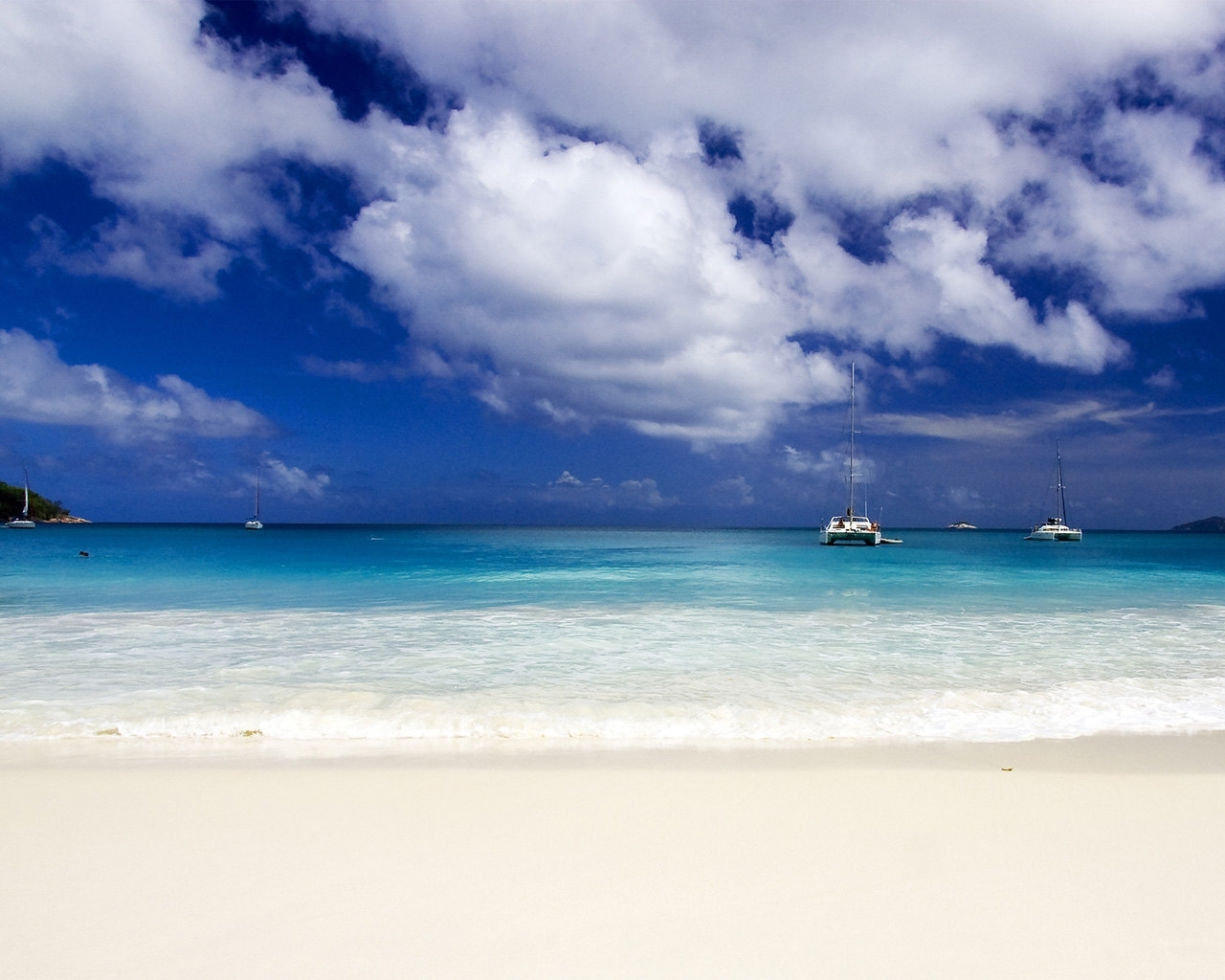 726 download wallpaper Landscape, Water, Sky, Sea, Beach screensavers and pictures for free