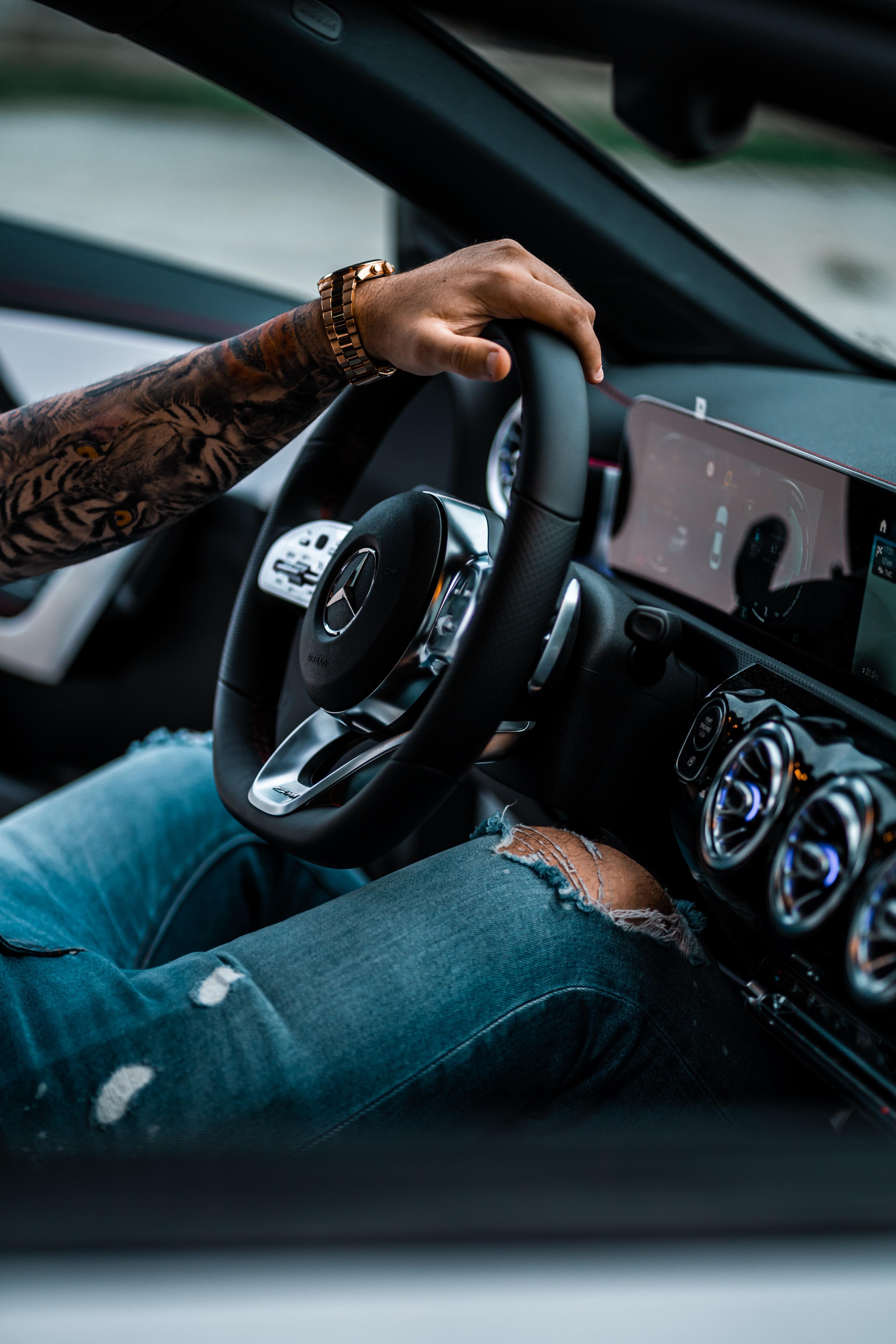 63103 Заставки и Обои Mercedes на телефон. Скачать Mercedes, Тачки (Cars), Рука, Автомобиль, Руль картинки бесплатно