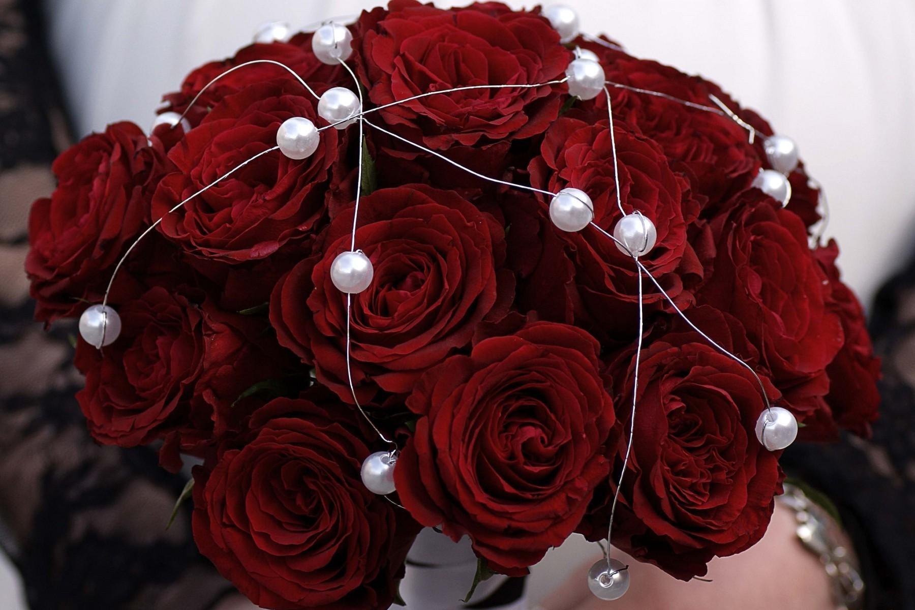 133482 скачать обои Розы, Букет, Цветы, Металл, Бусинки - заставки и картинки бесплатно