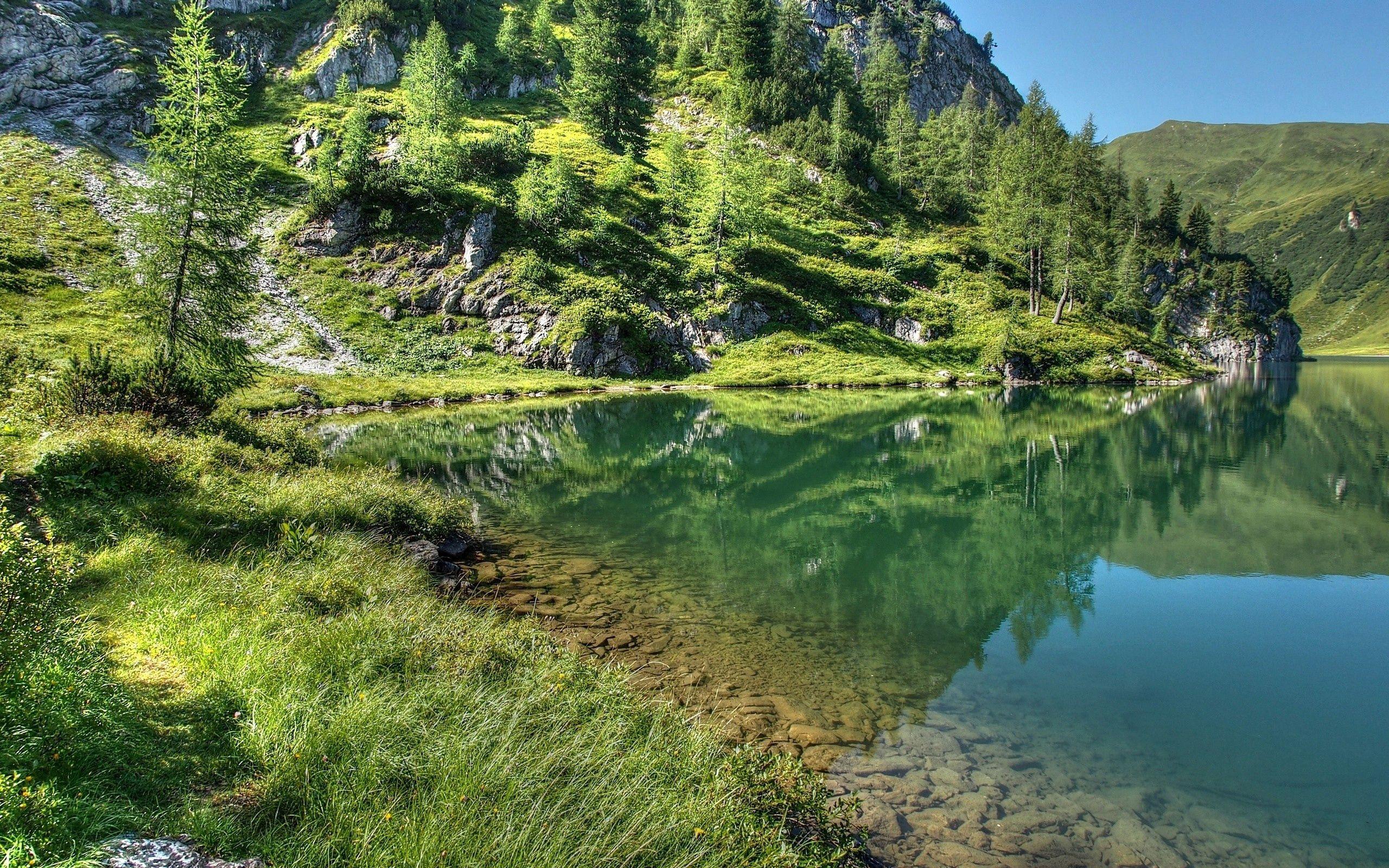151157 免費下載壁紙 性质, 草, 天空, 湖, 湖景, 山 屏保和圖片