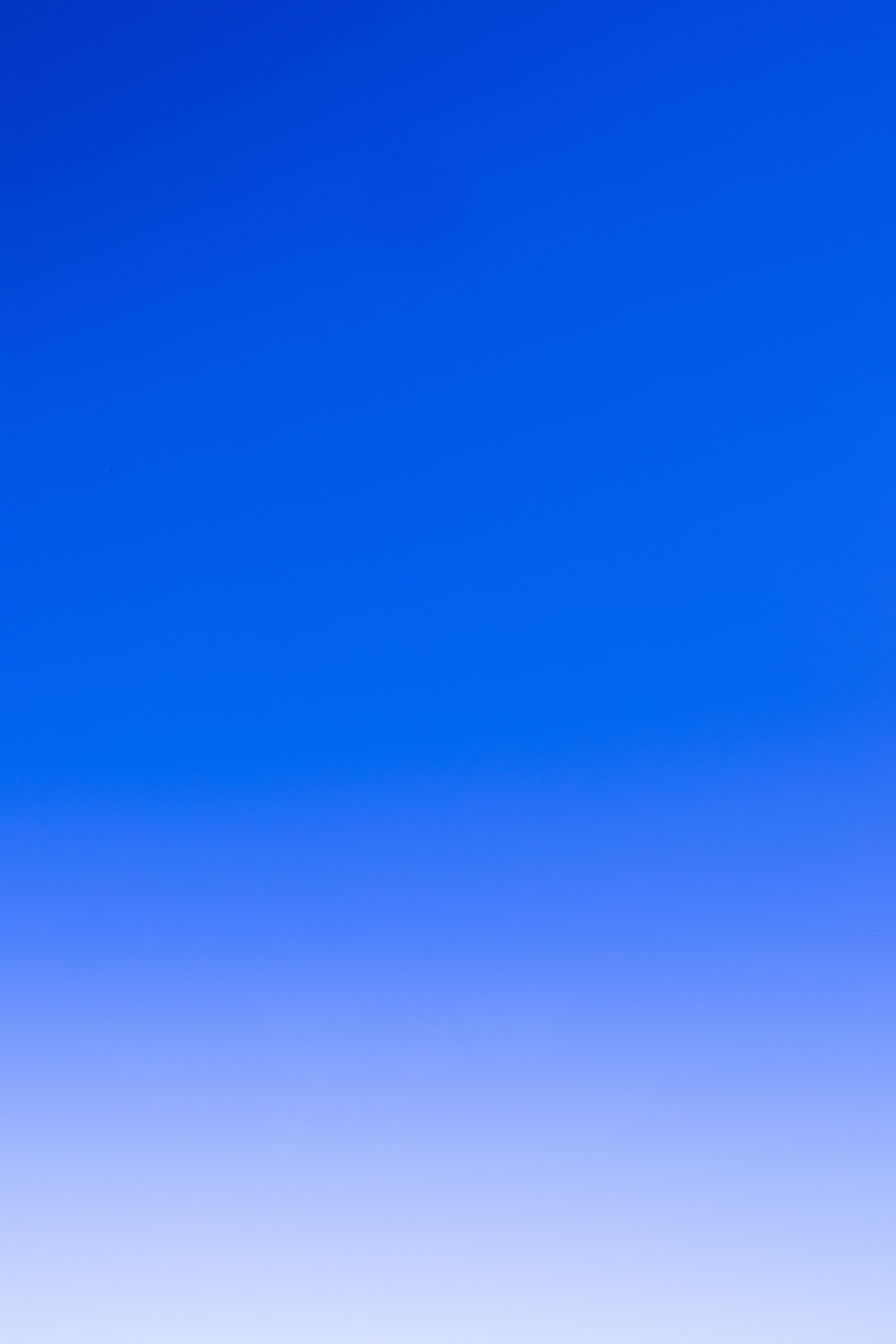 83855 обои 540x960 на телефон бесплатно, скачать картинки Фон, Абстракция, Небо, Голубой, Цвет 540x960 на мобильный