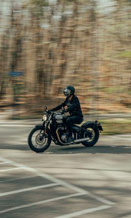 133720 télécharger le fond d'écran Moto, Triomphe, Motocyclette, Motocycliste, Casque, Distorsion - économiseurs d'écran et images gratuitement