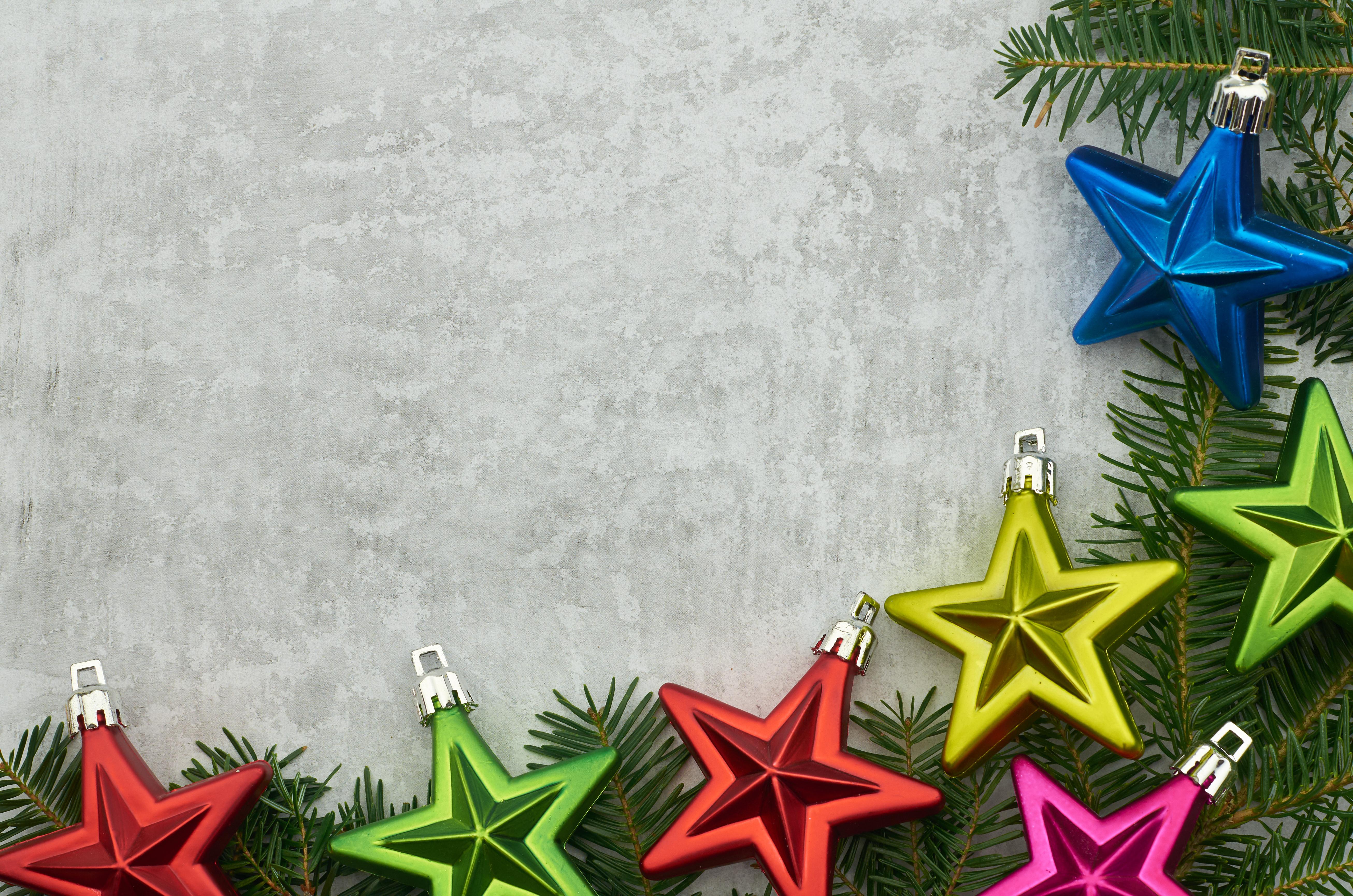 61562 Hintergrundbild herunterladen Weihnachten, Feiertage, Sterne, Neujahr, Dekoration, Neues Jahr, Geäst, Zweige - Bildschirmschoner und Bilder kostenlos