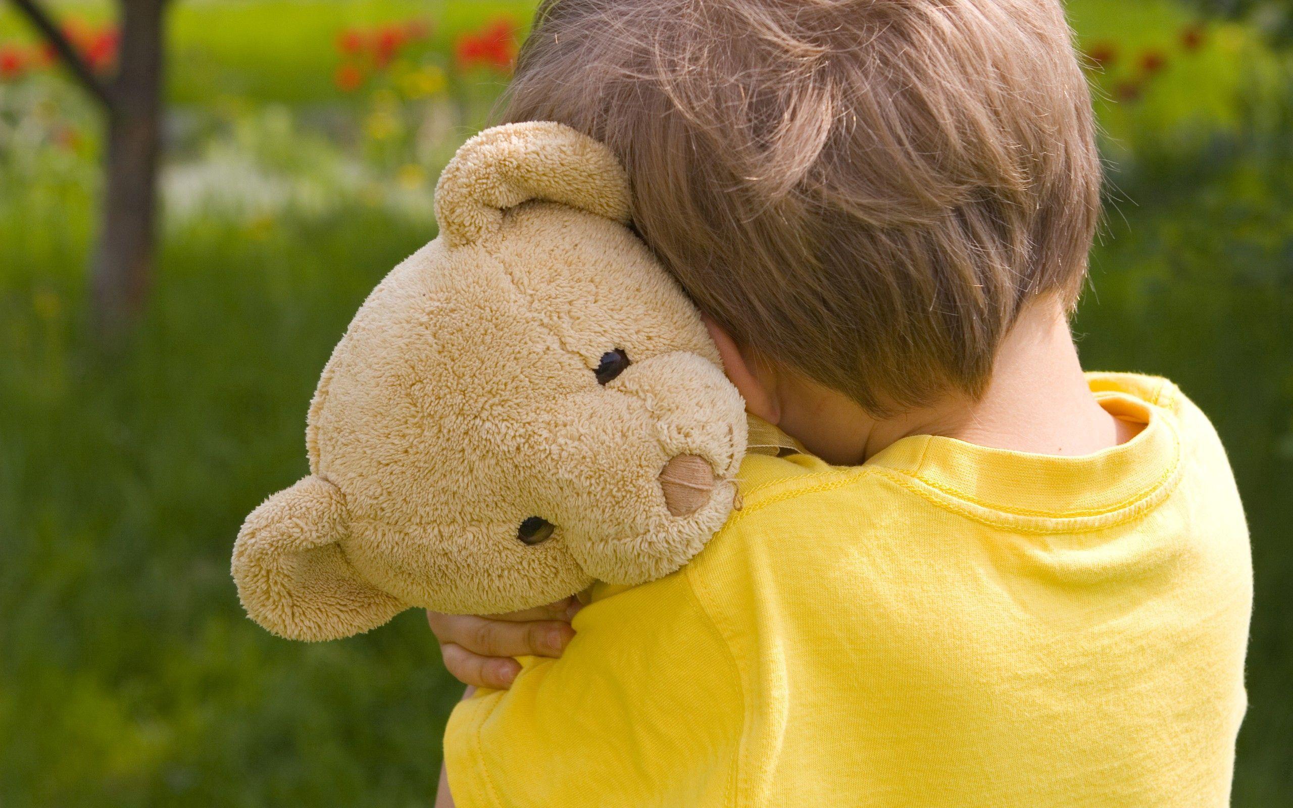 95471 скачать обои Разное, Ребенок, Игрушка, Плюшевый Медведь, Настроение - заставки и картинки бесплатно