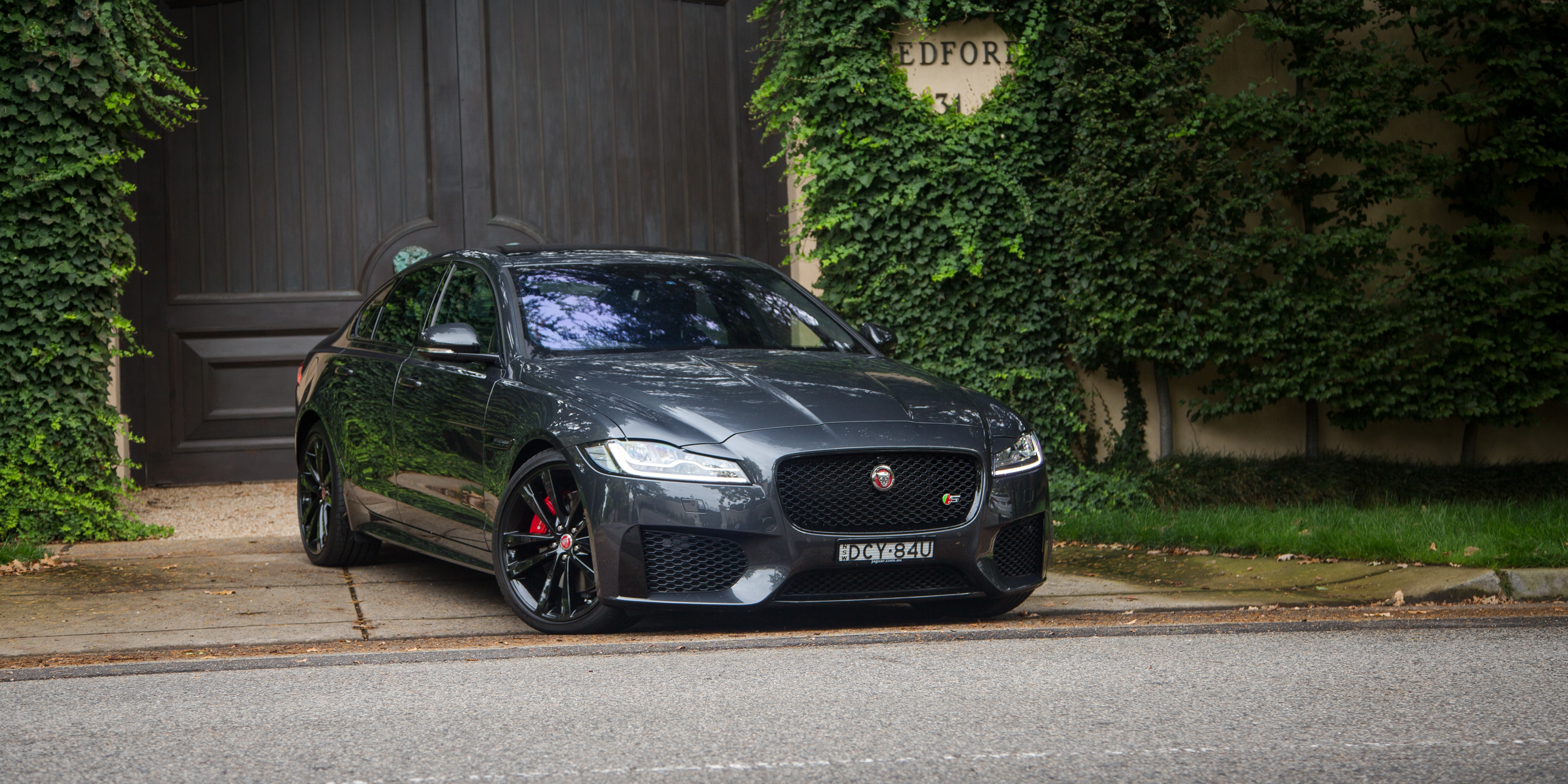 69176 download wallpaper Jaguar, Cars, Side View, Xf screensavers and pictures for free