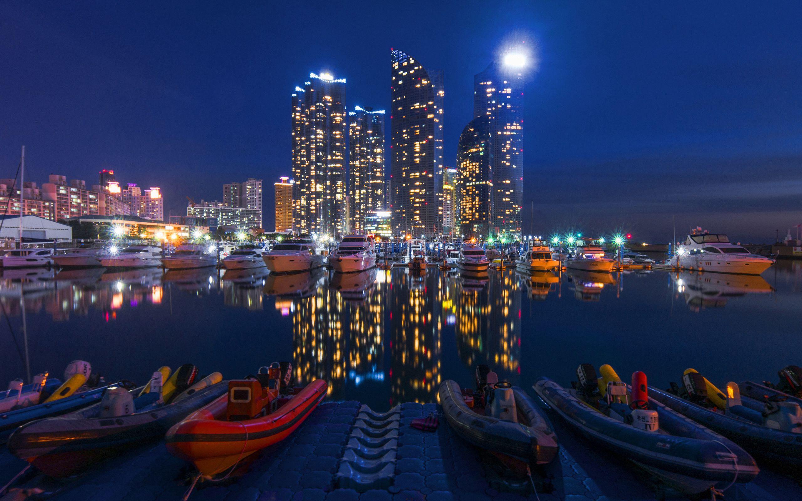125515 Заставки и Обои Лодки на телефон. Скачать Ночной Город, Здания, Ночь, Небо, Лодки, Города картинки бесплатно