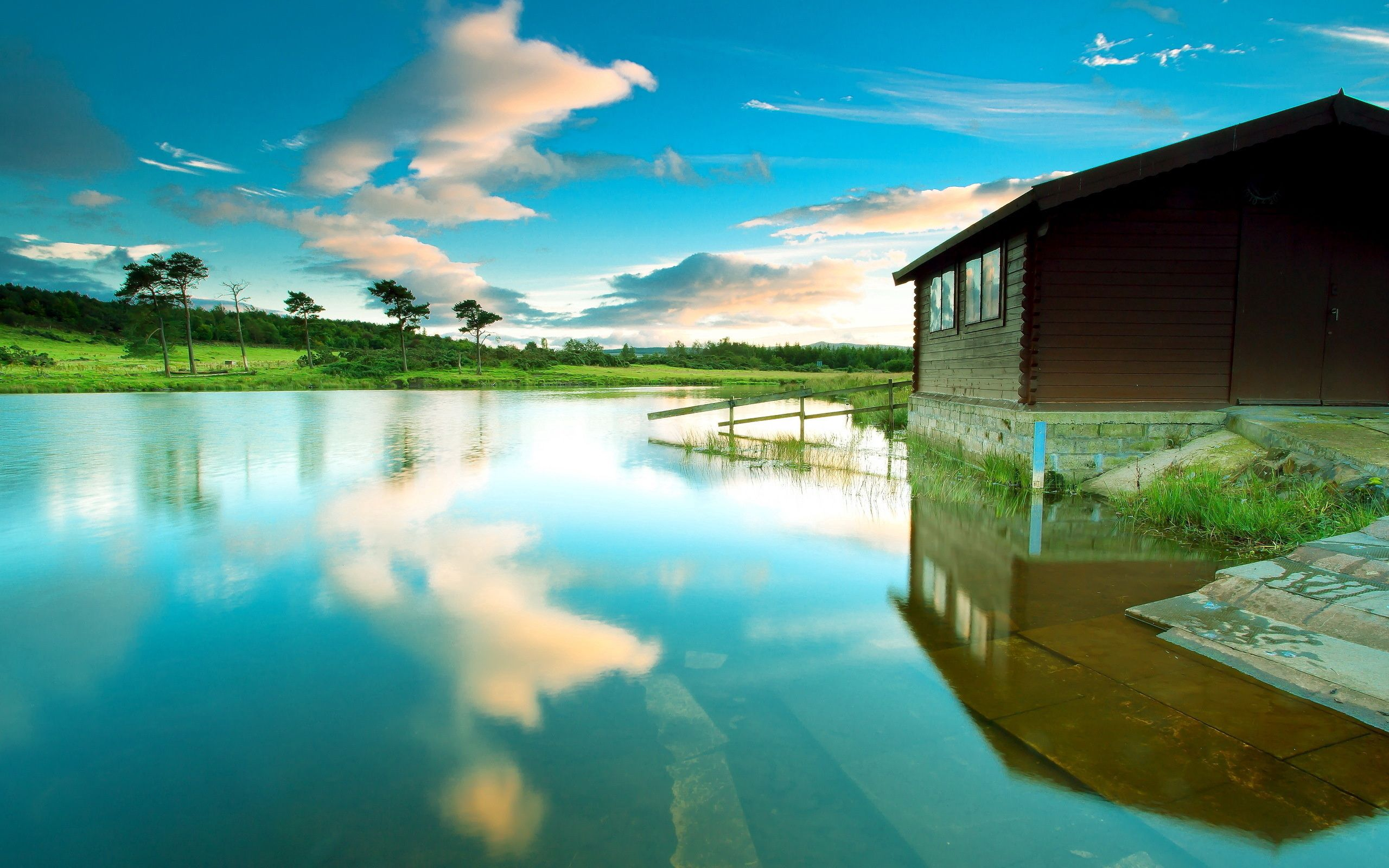 109206 Screensavers and Wallpapers Small House for phone. Download Nature, Sky, Lake, Reflection, Small House, Lodge, Calmness, Tranquillity, Azure pictures for free