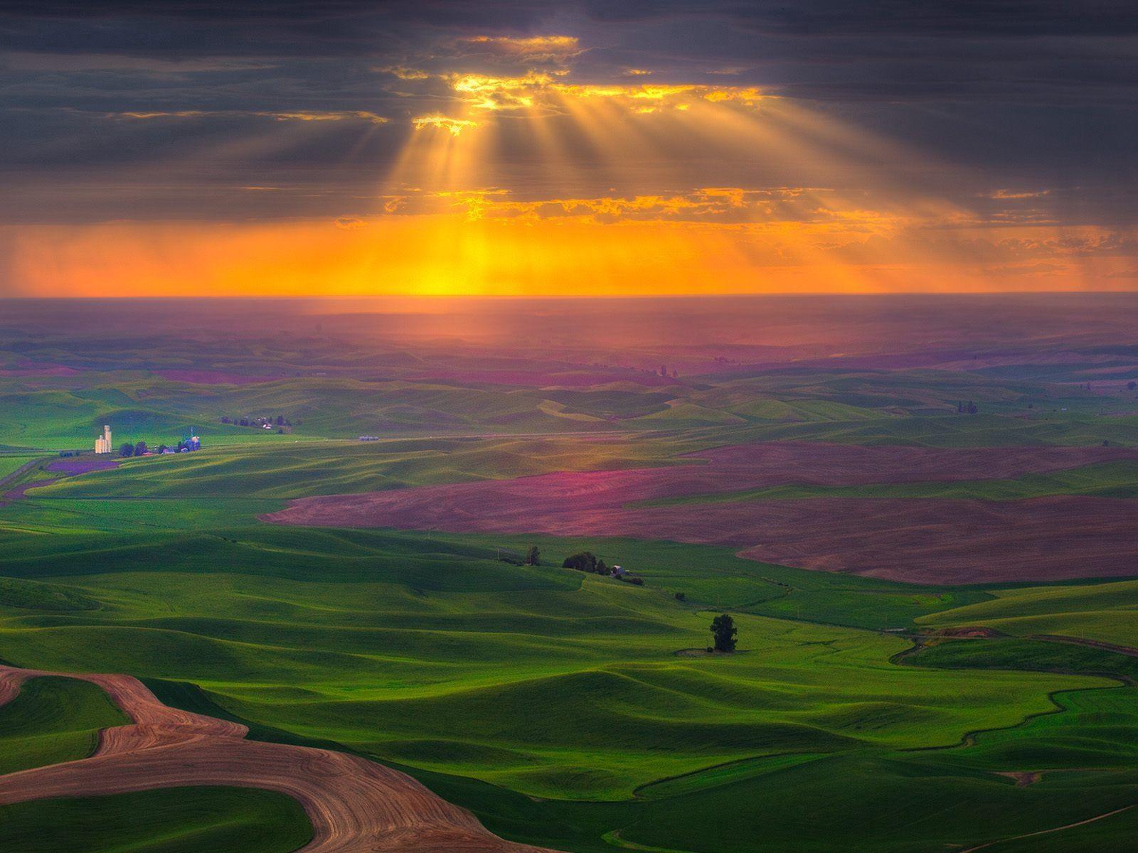 153165 скачать обои Поля, Природа, Небо, Солнце, Облака, Свет, Дорога, Зелень, Равнина - заставки и картинки бесплатно