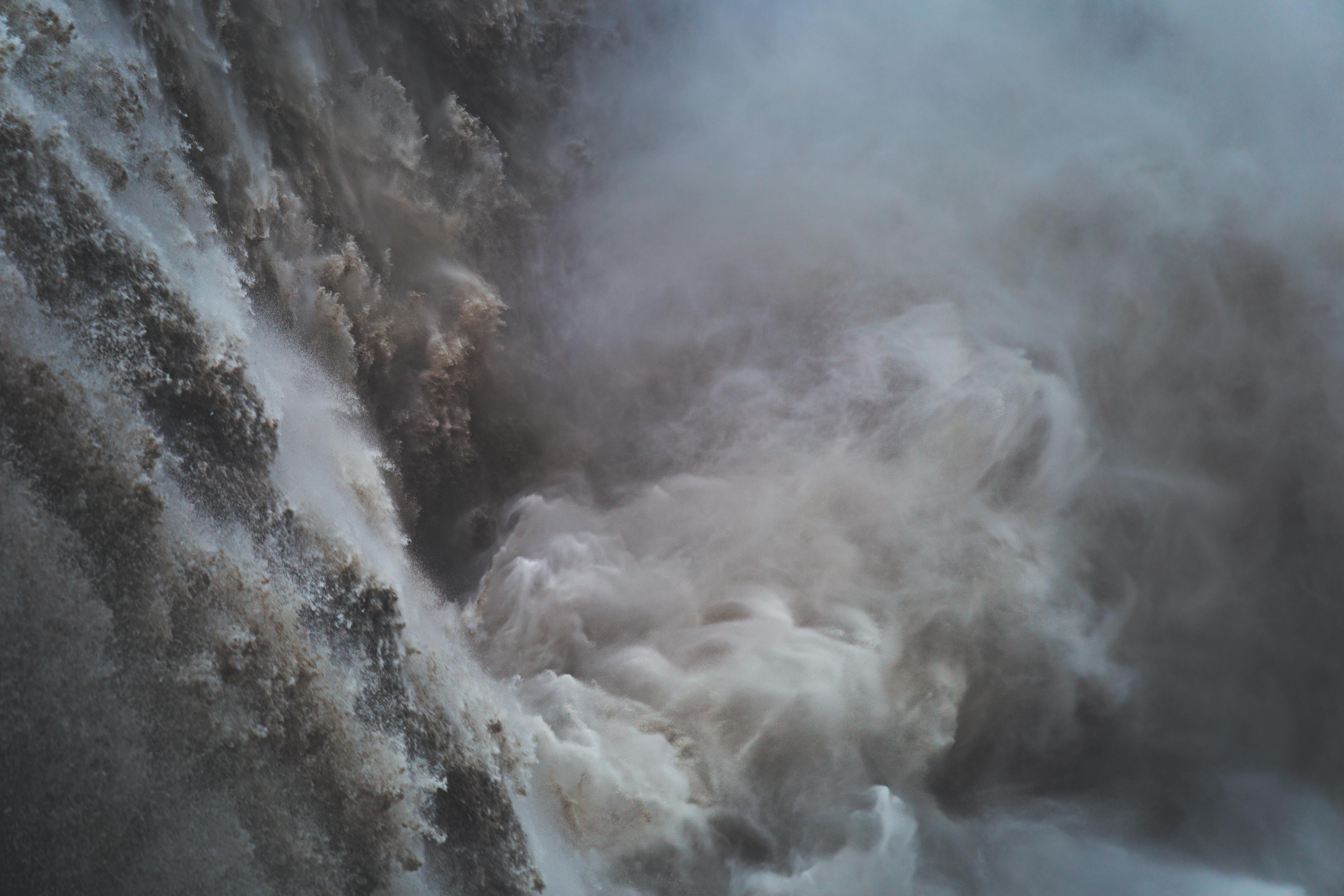 93723 Hintergrundbild herunterladen Wasser, Natur, Wasserfall, Sprühen, Spray, Fließen, Stream - Bildschirmschoner und Bilder kostenlos