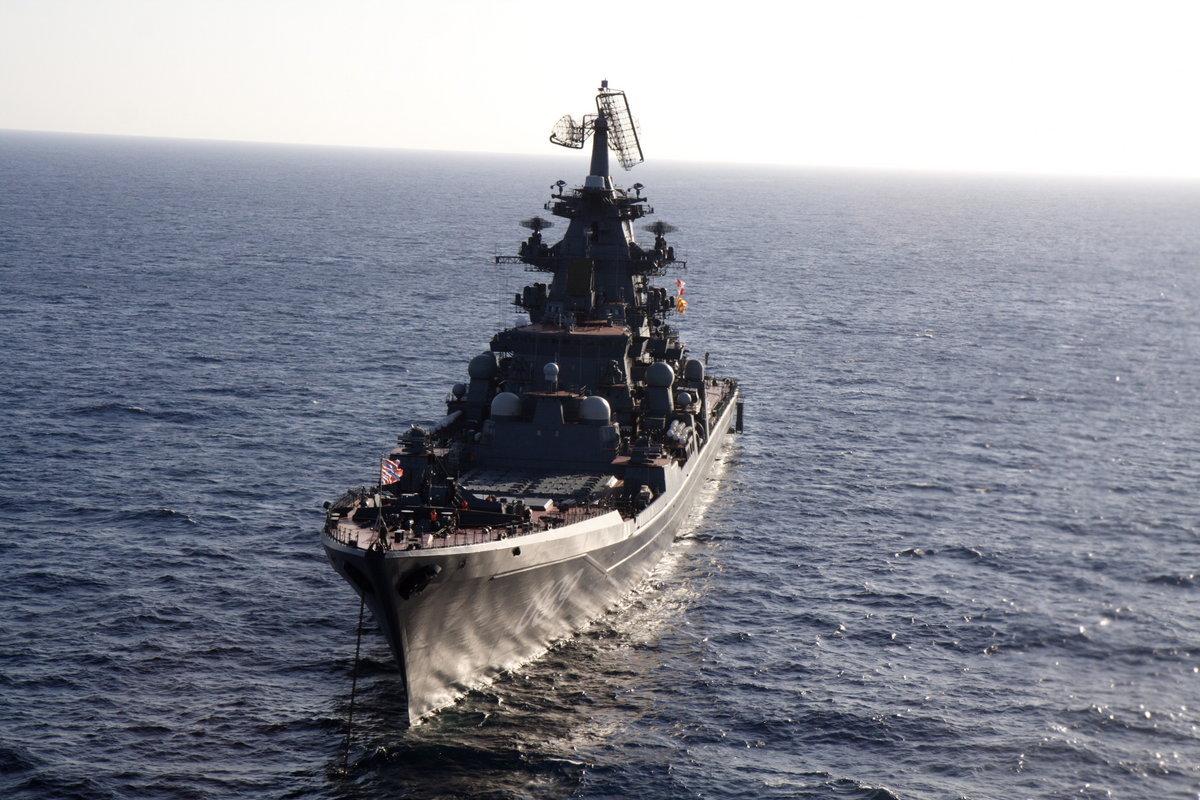 Скачать картинку Транспорт, Корабли, Море, Оружие в телефон бесплатно.