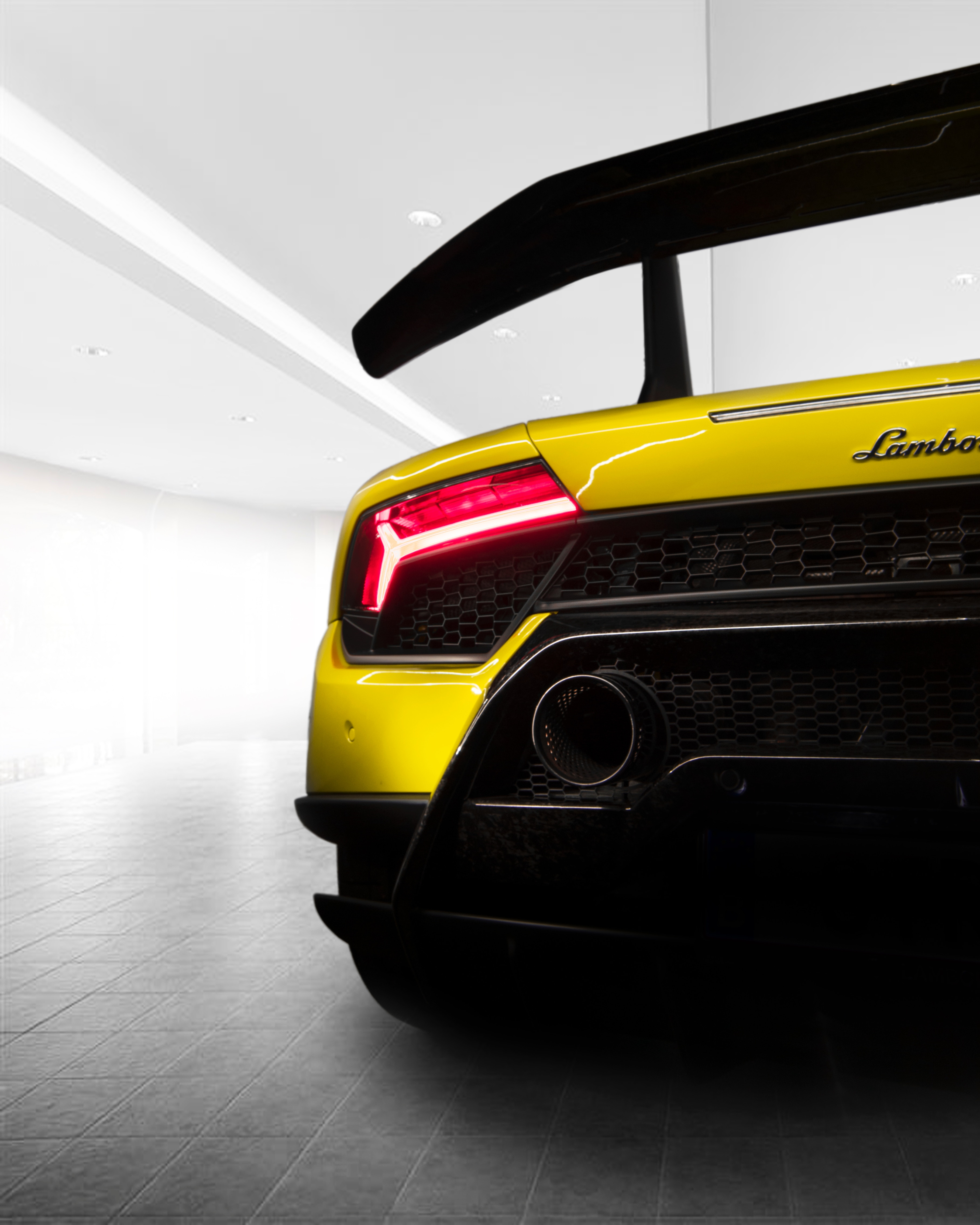 147473 download wallpaper Cars, Lamborghini, Sports Car, Sports, Back View, Rear View, Lamp, Lantern screensavers and pictures for free