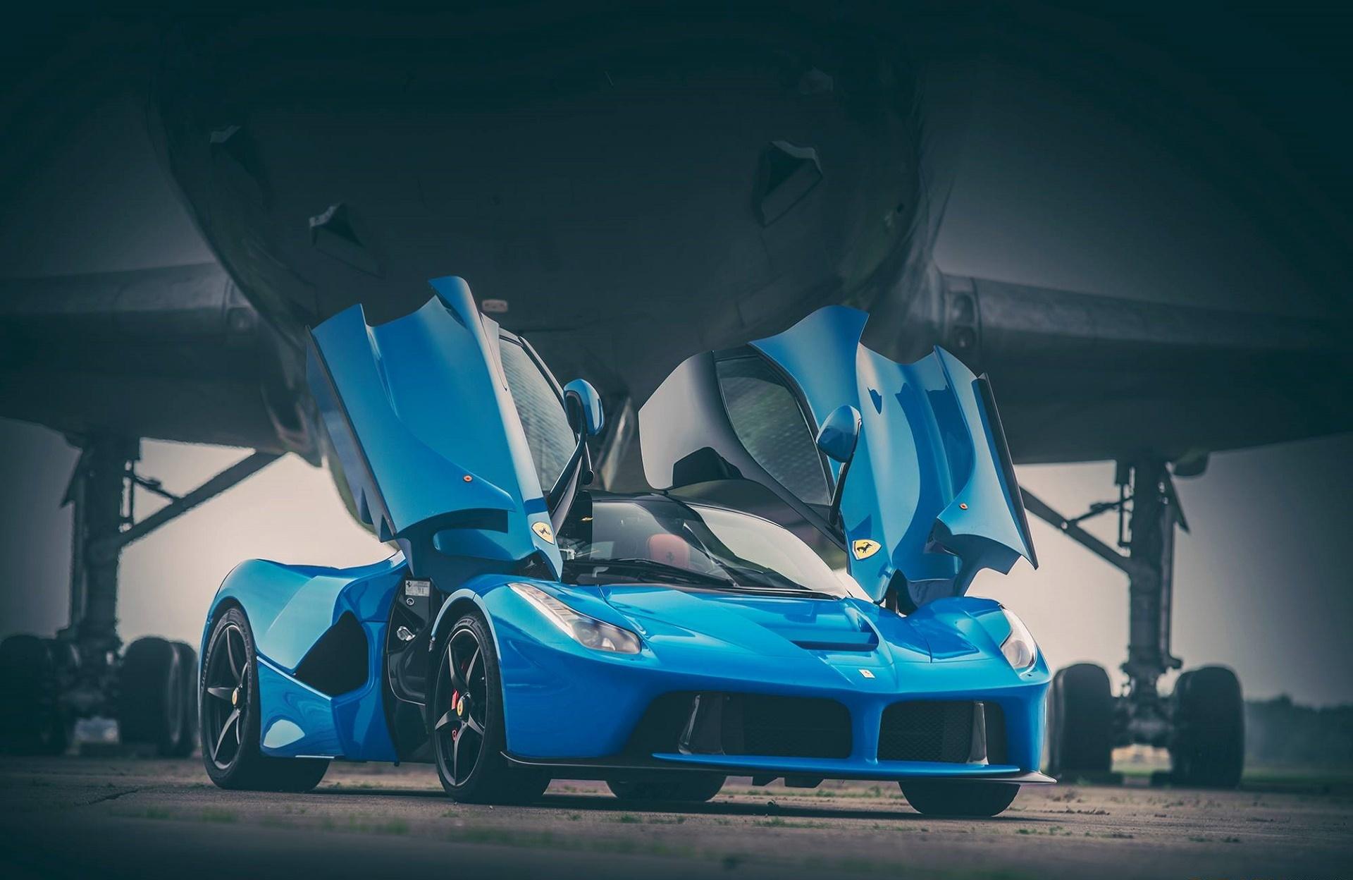 125887 télécharger le fond d'écran Ferrari, Voitures, Des Portes, Porte, Laferrari - économiseurs d'écran et images gratuitement